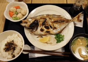 梅山鉄平食堂の博多ランチ