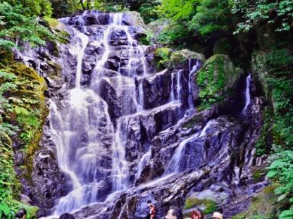 福岡県糸島市の白糸の滝は絶景