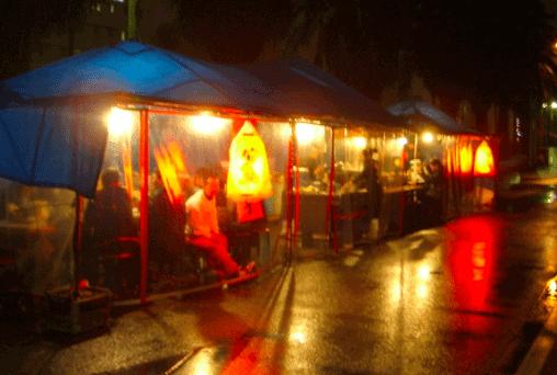 福岡の屋台は雨はどうなの